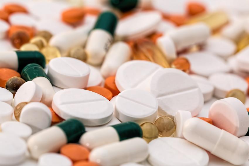 Доктор Мясников рассказал об опасности антибиотиков