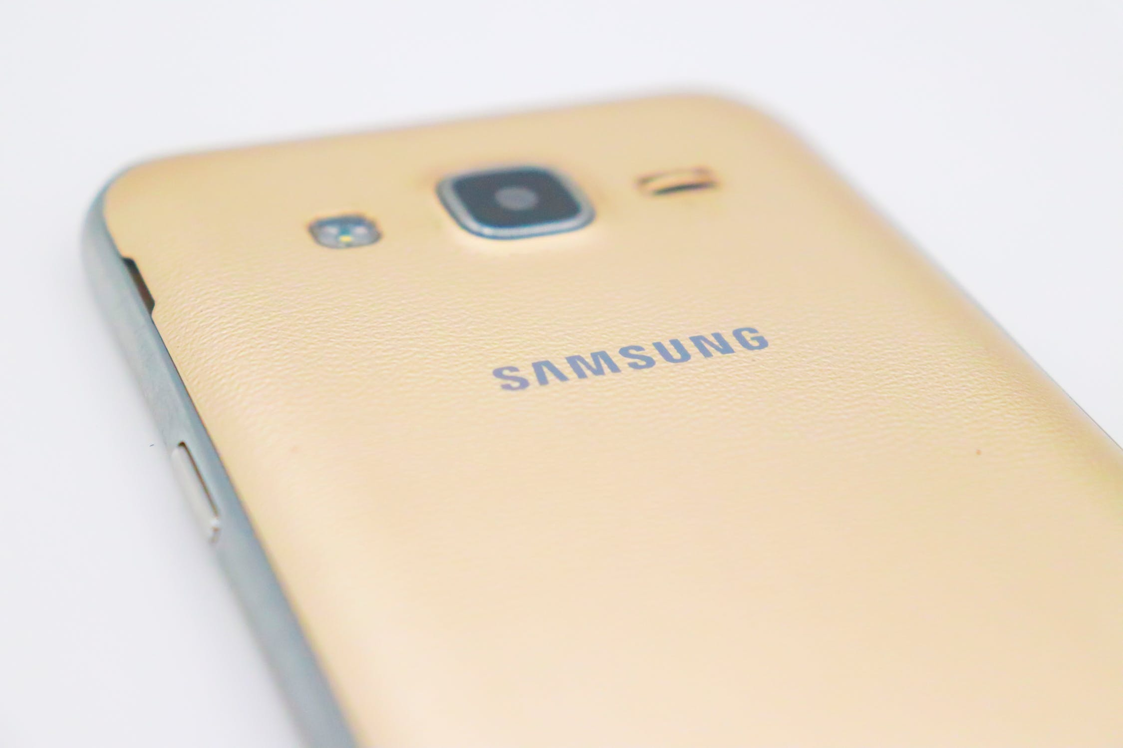 Специалисты сравнили Samsung Galaxy S20 и Galaxy S10